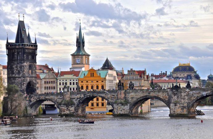 Подаруй коханій тур на 8 березня! Краків + Прага + Відень + Будапешт!