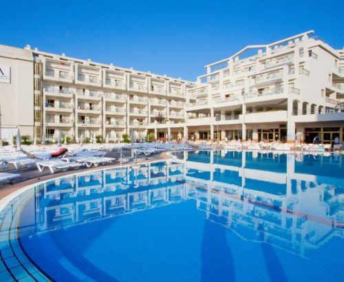 Іспанська сієста в Aqua Hotel Aquamarina 4*