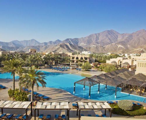 Подаруй собі незабутні враження у  Miramar Al Aqah Beach Resort 5*