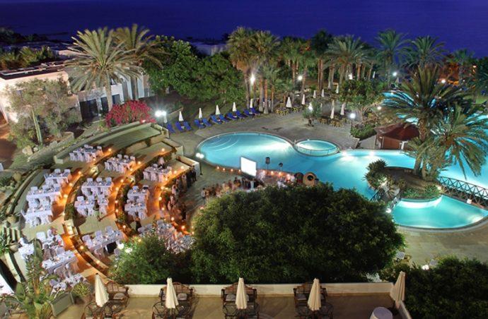 Романтичний відпочинок на Кіпрі. Azia Resort and Spa 5*