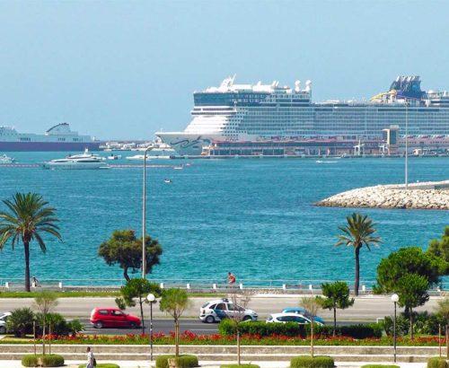 Круїз по Середземному морі